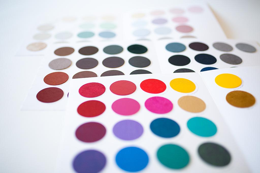 Musterstoffe und Farben für das kleine Trio
