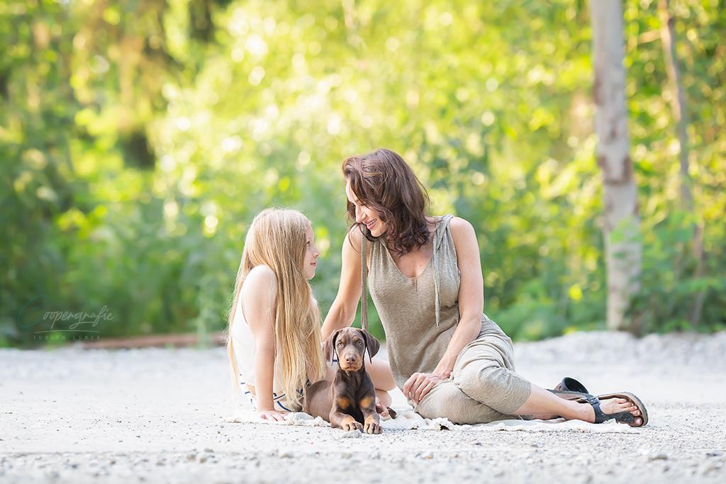 Familienfotos beim Welpenfotoshooting